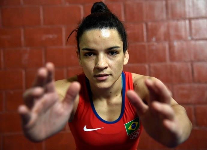 A atual campeã brasileira de Wrestling na categoria 50 kg, Kamila Barbosa, anunciou esta semana uma campanha de financiamento coletivo para angariar verba e conseguir participar do campeonato Pan-Americano da modalidade.